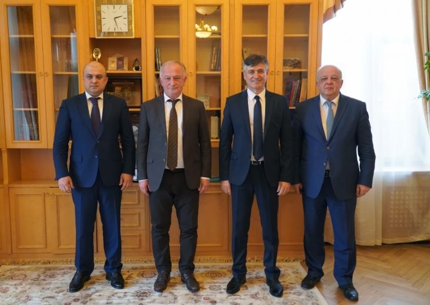 В Правительстве Дагестана представили нового руководителя Госинспекции труда в РД
